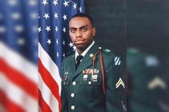 Family of fallen hero presented with Distinguished Service Cross