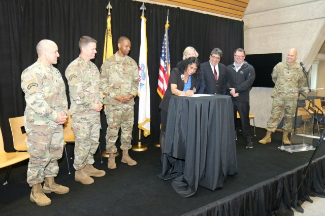 Innovation is the Future: Rakkasans, Army Futures Command sign partnership with Vanderbilt