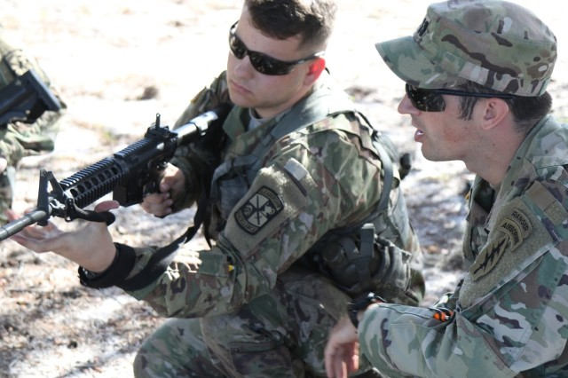 Civil Affairs Soldiers train with ROTC