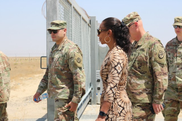 U.S. Army Soldiers and Kuwait border and customs control officials visit to the Kuwait - Iraq border following a ribbon cutting ceremony at Khabari Crossing, Kuwait, April 30, 2019. (U.S. Army photo by Sgt. Nahjier Williams)