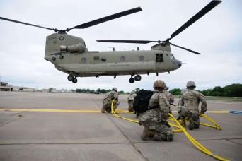 Oklahoma Guardsmen take flight in aircraft recovery training