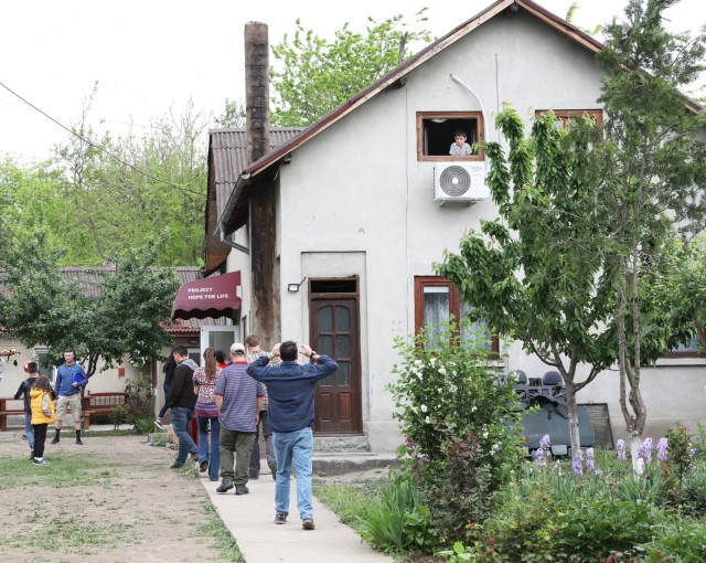 U.S. service members visit Romanian orphanage