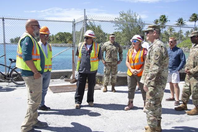 SMDC/AFSC commanding general visits construction crews on Echo Pier