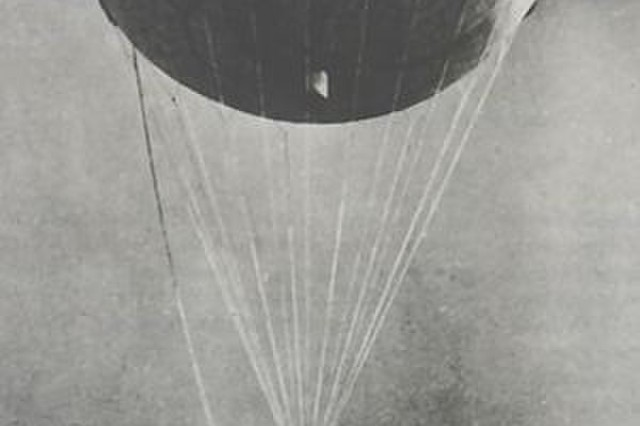 A Japanese Fu-Go balloon with its payload of charges suspended below.