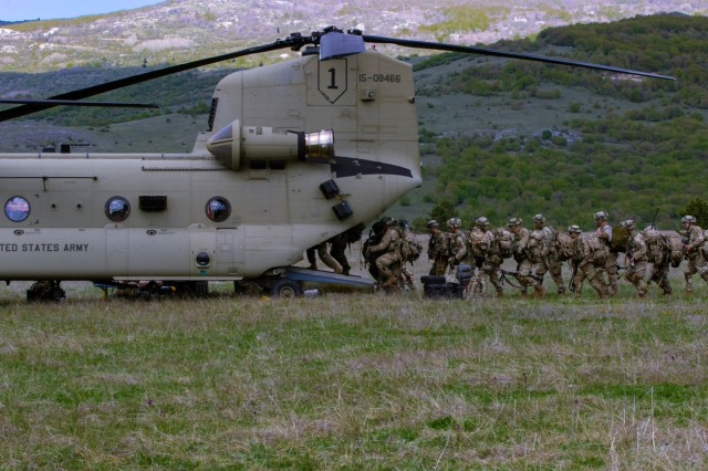 Paratroopers from 1st Battalion, 503rd Parachute Infantry Regiment (PIR), 173rd Infantry Brigade Combat Team (Airborne), rehearse a cold load air assault from a CH-47 Chinook helicopter during exercise Immediate Resolve 19 at Udbina Airbase, Croatia, May 17, 2019.