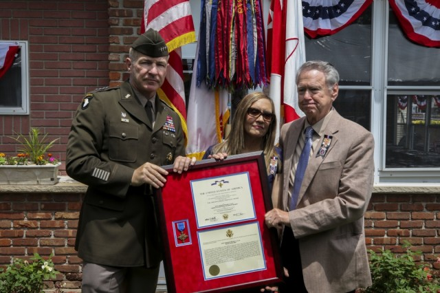 Staff Sgt. Ollis posthumously receives the Distinguished Service Cross