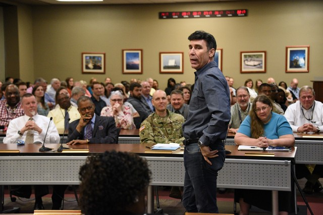 Garrison Wynn, motivational speaker, provides the keynote address during the U.S. Army Space and Missile Defense Command/Army Forces Strategic Command and the Missile Defense Agency's 11th annual Joint Safety and Occupational Health Exposition at the Von Braun complex June 6.