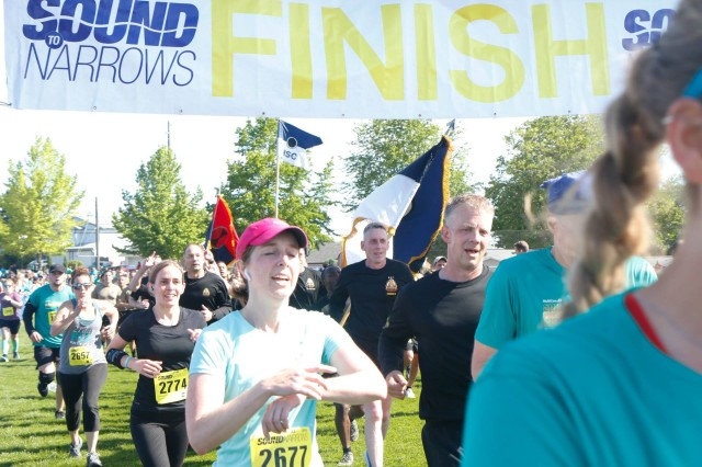 """Lt. Gen. Gary J. Volesky leads the I Corps unit team to finish the 47th annual Sound to Narrows 12K """"military race"""" at Vassault Park in Tacoma June 8. This was the second year in a row Volesky ran the race since the 1980s."""
