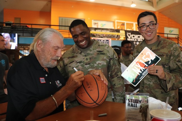 Hoops for Troops motivates fans at Schofield Barracks