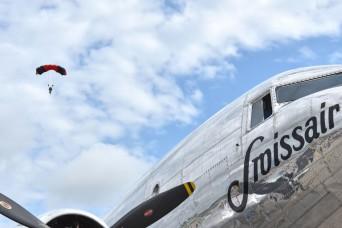 Berlin Airlift commemoration draws 45,000 visitors
