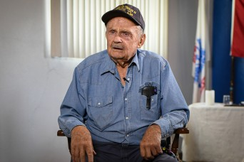 95-year-old D-Day survivor shares his WWII experiences