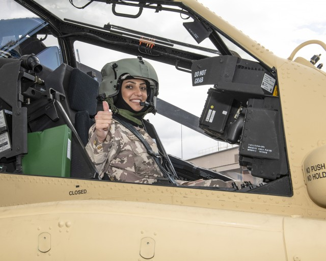 Officer represents Qatar to boost helicopter fleet