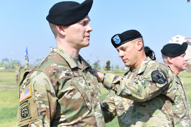 2ID/RUCD welcomes new deputy commanding officer, farewells another