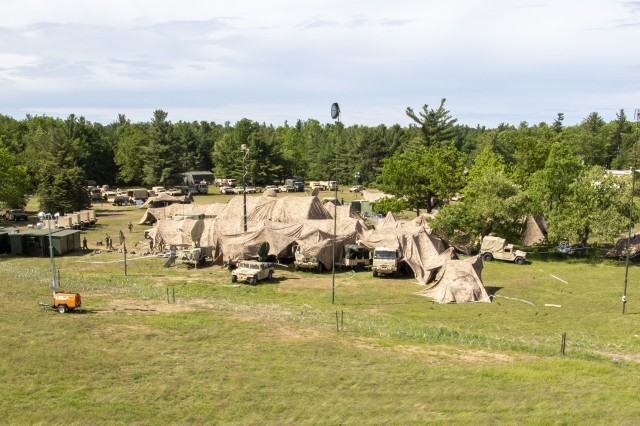 "The 10th Mountain Division staff conducts its Warfighter Exercise at Fort Drum, New York, June 10, 2019. The 101st Airborne Division (Air Assault) performed the duties and responsibilities of the Corps-level Higher Command (HICOM) for the ""Climb to Glory"" division and supporting elements, to include Illinois and Texas National Guard units, during their Warfighter Exercise 19-05."