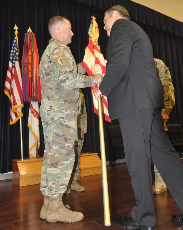Lt. Col. Henderson assumes command