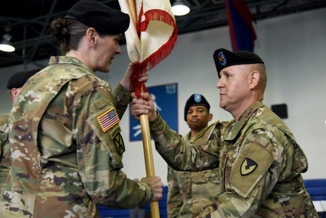 403rd Army Field Support Brigade changes leadership during ceremony