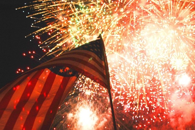 The majority of fireworks-related incidents are due to amateurs attempting to use professional-grade, homemade, or other illegal fireworks or explosives. In 2017, eight people died and more than 12,000 needed medical treatment due to these incidents.