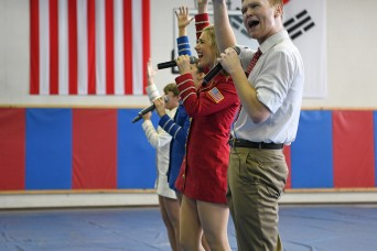USO Troupe begins three-day tour of ROK with performance at Camp Walker