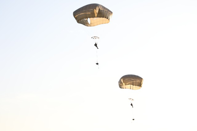 Soldiers of the 75th Regimental Special Troops Battalion prepare for landing during their fourth point of performance with the Mystery Ranch Rucksack.