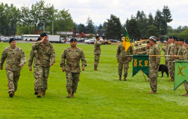 Protectors welcome new commander at ceremony on JBLM