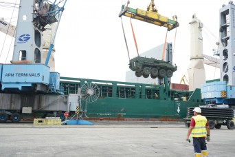 2/2CR unloads vehicles at the Poti port for AS19