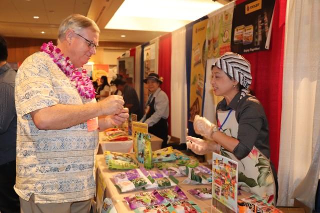 ALA Food Show opens commissary, exchange doors to Hawaii vendors