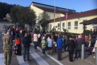 Hohenfels Elementary Students Take Part in Patriot Day