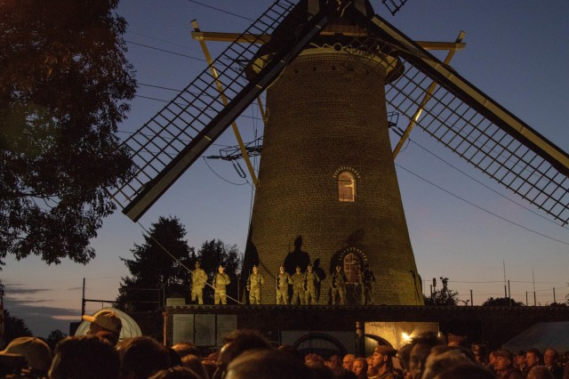 75th anniversary of the Liberation of Eerde commemoration