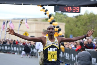 Soldier-athletes win the 35th annual Army Ten-Miler