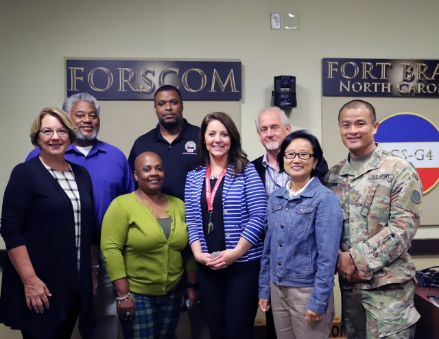 FORSCOM donates computers to local school