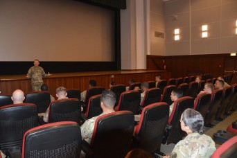 Barracks meeting nets quick fix for Soldiers, emphasizes reporting