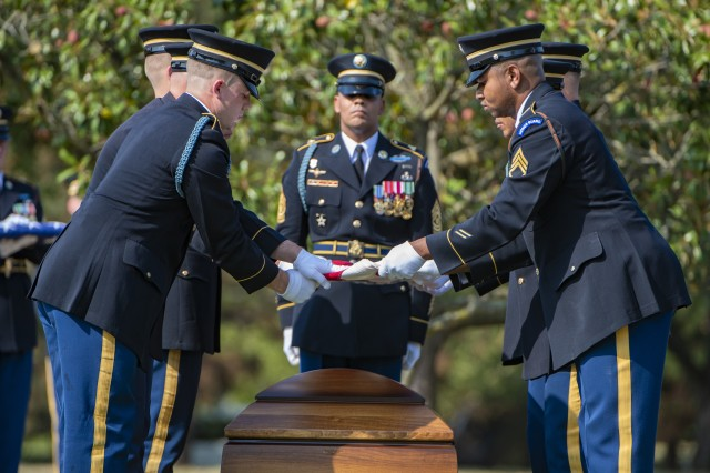 Soldiers from the 3rd U.S. Infantry Regiment, known as The Old Guard, conduct military funeral honors for Army Master Sgt. Jose Gonzalez at Arlington National Cemetery, Arlington, Va., Sept. 11, 2019. Gonzalez was assigned to the 7th Special Forces Group. He died Aug. 21, 2019, in Faryab Province, Afghanistan, after being wounded in combat.