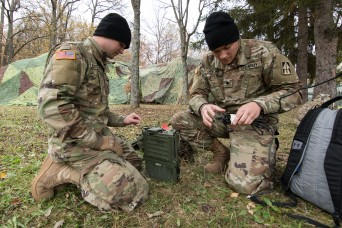 Soldiers establish communications in Slovakia