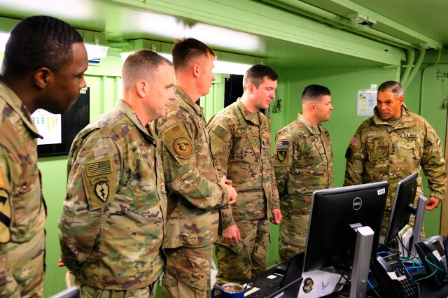 FORSCOM Commander visits 1ID FWD for Dragoon Ready in Germany