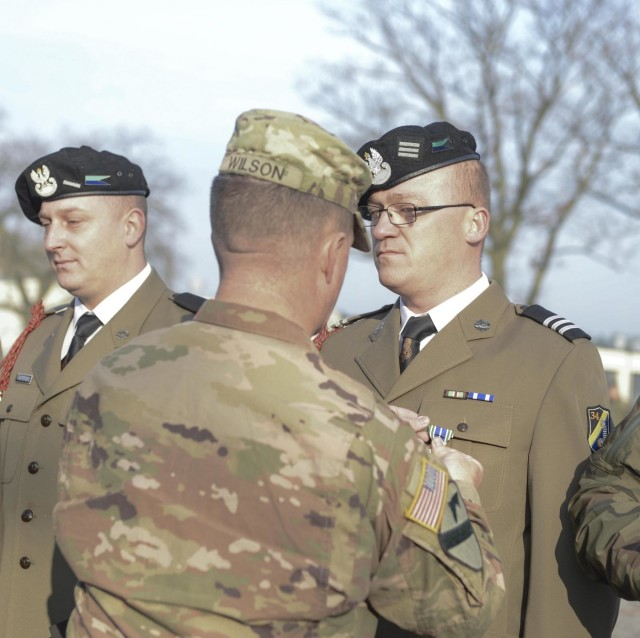 1st Cavalry Division's 'Blackjack Brigade' builds relations Blackjack 6 presents Polish Soldiers with Army Achievement Medal