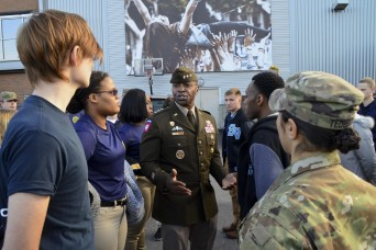 Future service members enlist at Pittsburgh Steelers game