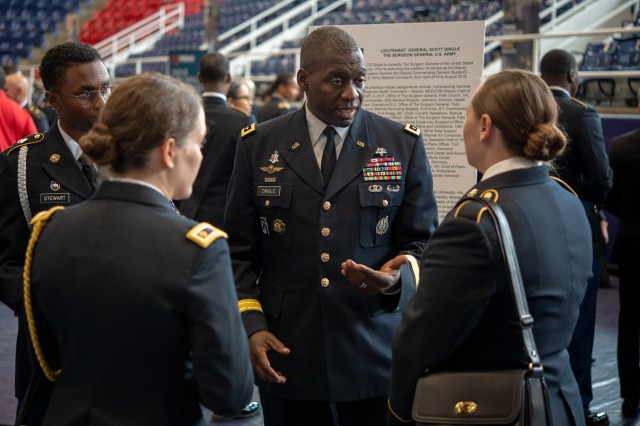 Lt. Gen. Scott Dingle, the U.S. Army surgeon general, meets with cadets during the Cadet Command 2019 Senior Leader Development Conference at Howard University in Washington, D.C., Nov. 7, 2019.