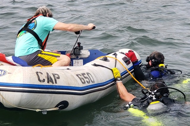Aptim Divers investigating the waters off of Governors Island.