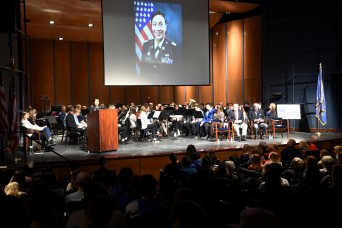 Army Reserve Soldiers reach out through Chicagoland communities to share the story of veterans