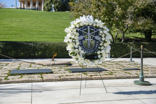 """The 1st Special Forces Command (Airborne) hold a wreath-laying ceremony at the gravesite of President John F. Kennedy in Section 45 of Arlington National Cemetery, Arlington, Va., Oct. 23, 2019. The ceremony is held yearly to commemorate President Kennedy's contributions to the U.S. Army Special Forces, including authorizing the """"Green Beret"""" as the official headgear for all U.S. Army Special Forces and his uncompromising support to the regiment."""