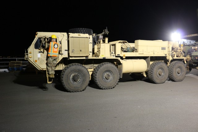 599th Trans. Bde. facilitates unit equipment offload from JRTC