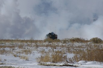 Soldiers test new battlefield smoke generating system