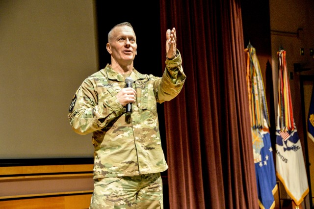Command Sgt. Maj. John Wayne Troxell, the Senior Enlisted Advisor to the Chairman of the Joint Chiefs speaks to the students of the Sergeants Major Course, class 70, Nov.21.