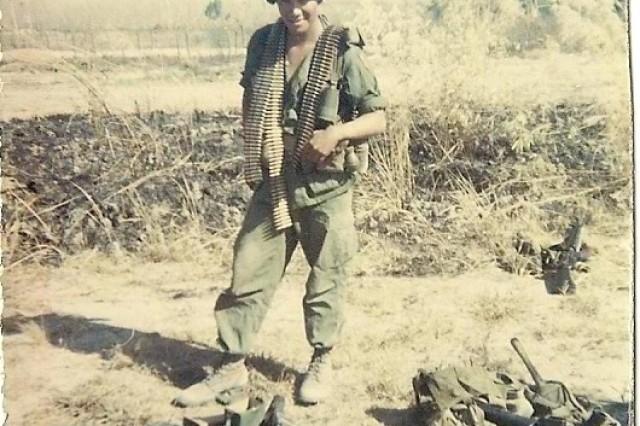 Pvt. Ernie Wensaut, 1st Infantry Division gunner, in Veitnam.