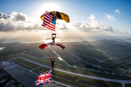 Golden Knights and the British Army's Red Devils train together during a joint training exercise with other parachute team Soldiers. (U.S. Army photo by Sgt. 1st Class Brandan Parra)