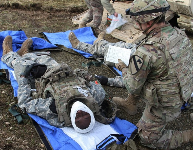 4-9 Squadron medics train to treat casualties during live fire; Preparing for Combined Resolve XIII
