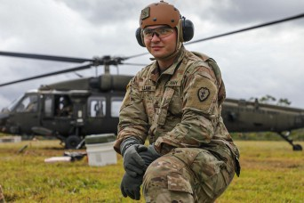 Aviation brigade building readiness through 'Fat Cow' fueling