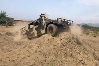 West Virginia National Guard, Peruvian mechanics train in Lima