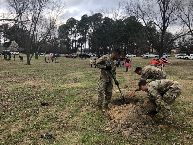 75 helping hands plant combined 46 Pecan, Dogwood trees ahead of Arbor Day