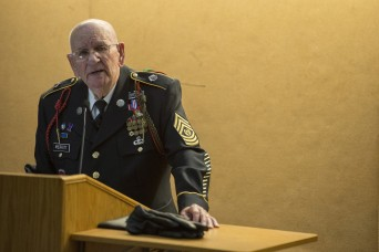 WWII veteran shares stories, life lessons with West Point cadets